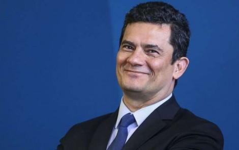 PF é apontada em pesquisa como a instituição mais confiável do país e Moro comemora