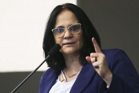 """Devido a Projeto de Lei """"pedofilia pode ser legalizada"""" no Brasil, alerta Damares Alves"""