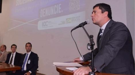 Moro lança projeto para que a população denuncie atos ilícitos contra a administração pública