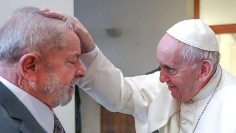 Jorge Bergoglio não é o primeiro impostor a ocupar o Trono de Pedro. Nem será o último...