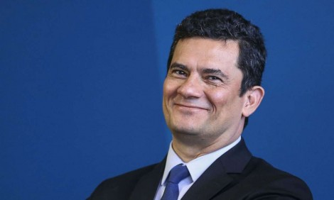 Moro comemora fim da greve no Ceará e é elogiado pela população