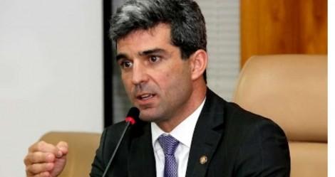 Advogado, denunciado por corrupção, profere palestra sobre lei anticorrupção na faculdade de Gilmar