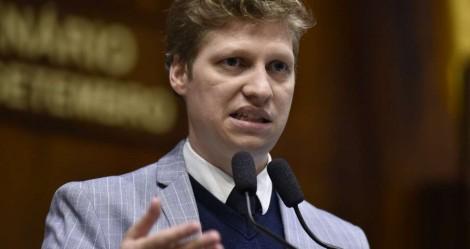 """Marcel não perdoa parlamentares que derrubaram veto de Bolsonaro: """"Irresponsabilidade fiscal"""" (veja o vídeo)"""