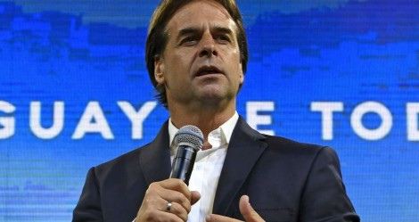 Presidente do Uruguai determina diminuição dos salários do Executivo e Parlamento no combate ao coronavírus