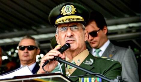 """General Ramos desmente fake news da Folha: """"Contraria valores como a honra e a lealdade"""""""