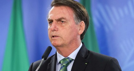 """Bolsonaro explica sobre militares que receberam auxílio emergencial e crava: """"terá punição"""""""