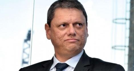 """Tarcísio mostra otimismo sobre leilões: """"Nós vamos arrebentar na venda de aeroportos"""" (veja o vídeo)"""