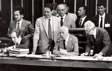 Interpretação histórica do artigo 142 da Constituição Federal - O poder moderador do Presidente da República