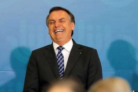 Em ranking global, Brasil volta a ficar entre os países mais confiáveis para investimentos e Bolsonaro comemora