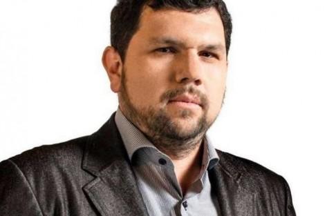 Jornalista Oswaldo Eustáquio tem prisão temporária prorrogada e é transferido para Brasília