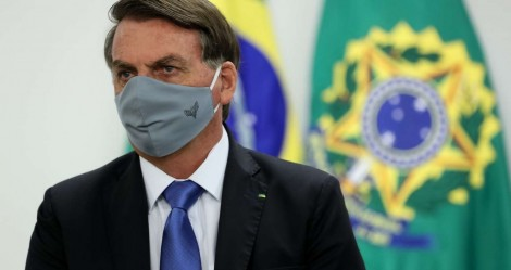 Bolsonaro sanciona lei de combate a violência doméstica durante a pandemia