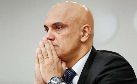 Quem vai reparar os danos causados pelo narcisismo, vaidade e incompetência de Alexandre de Moraes?
