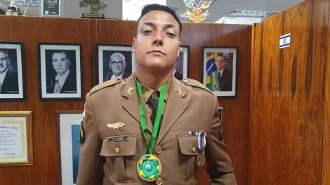 Cabo Cleines, o PM que prendeu Adélio Bispo: Quem é o homem por trás da farda?