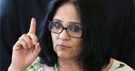 """Damares rebate duramente o PSOL: """"Podem vir sem medo"""""""