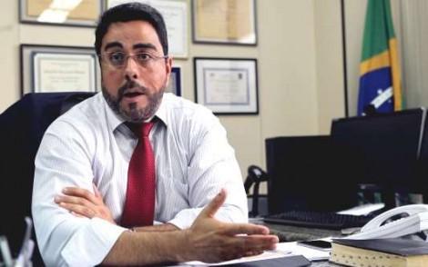 Advogados envolvidos em falcatruas querem afastar Bretas