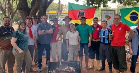 """De folga, Bolsonaro vai a festa em comemoração ao """"Dia do Gaúcho"""" (veja o vídeo)"""