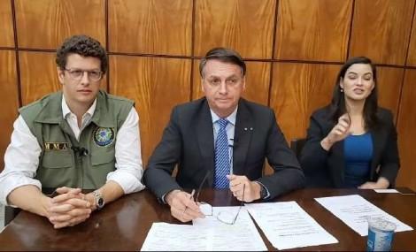 """Bolsonaro esclarece mais uma """"fake news"""", desta vez sobre suposta facilitação do aborto"""