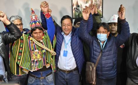 Bolivianos dão a vitória ao partido socialista de Evo Morales
