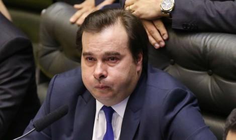 """""""Espumando raiva"""" é esta a atual situação de Maia, que culpa Bolsonaro por reabertura de investigações"""