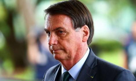 Bolsonaro tenta barrar no STF lei aprovada pelo Congresso, que dispensa licitação para contratação de advogados