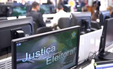 Na véspera do pleito, sistemas do TSE saem do ar, mas tribunal nega ataque hacker