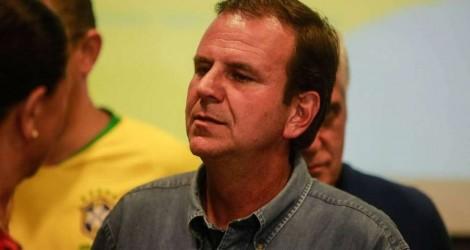 """""""Nervosinho"""" Eduardo Paes tenta se eleger em cima de memória fraca do eleitor carioca (veja o vídeo)"""