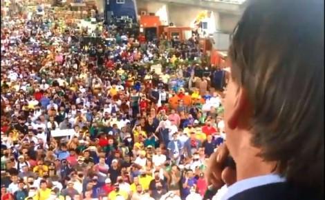 """Bolsonaro é ovacionado por trabalhadores da CEAGESP e promete: """"Nós vamos atrás desse vagabundo"""" (veja o vídeo)"""