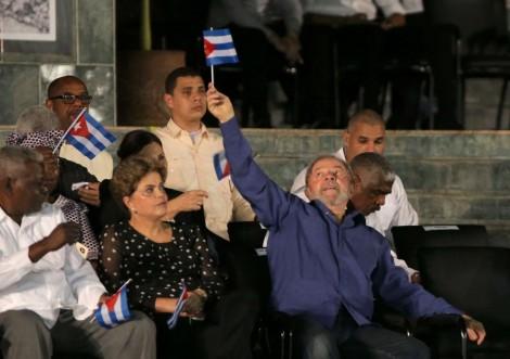 Vai pra Cuba! E o condenado Lula foi...