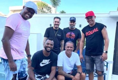 Flagrante: Infectado, Marcelo D2 promove churrasco com amigos e com Covid