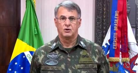 Época faz ataque gravíssimo ao governo e ao Exército, instituição se manifesta e exige retratação