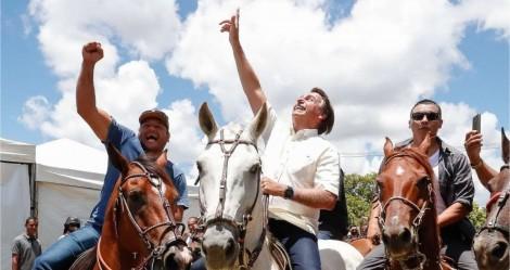AO VIVO: Na terra do petista Rui Costa, Bolsonaro é aclamado e recebido com enorme festa (veja o vídeo)