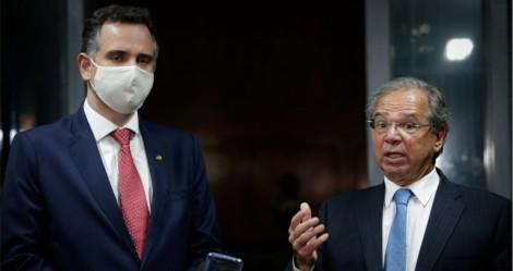Guedes poderá retomar auxílio emergencial a quase 34 milhões de brasileiros