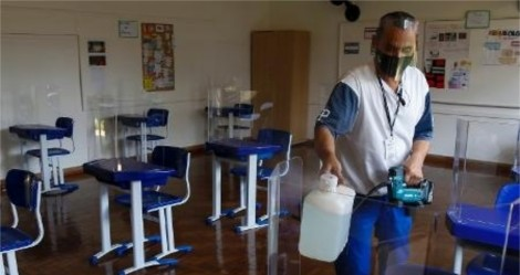 """Augusto Nunes detona greve de professores em SP e dá a """"receita"""" para acabar com a """"farra"""", na volta às aulas"""