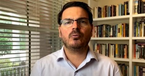 """Constantino detona """"toque de recolher"""" de Doria: """"É pura narrativa política de um 'politiqueiro', um marqueteiro"""" (veja o vídeo)"""