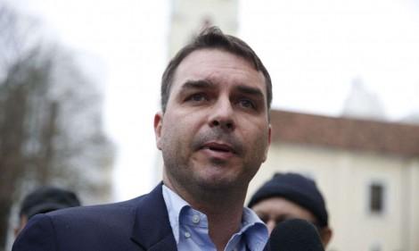 Diálogos de procuradores da Lava Jato revelam complô contra família Bolsonaro