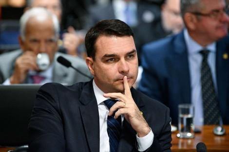 Flávio Bolsonaro e o caso que deixou de ser investigação para tornar-se uma óbvia e escancarada perseguição