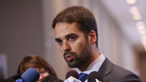 """Governador do RS extrapola, proíbe venda de produtos """"não essenciais"""" e internautas não perdoam: """"#leitepsicopata"""""""