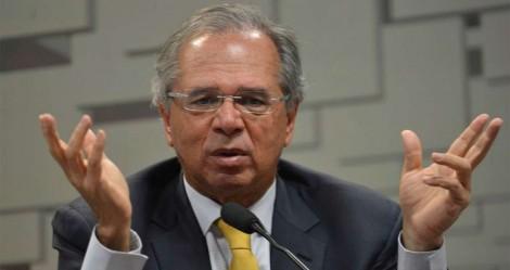 """Em busca do fortalecimento da economia, Guedes cita um possível """"seguro-emprego"""" de R$ 500,00"""