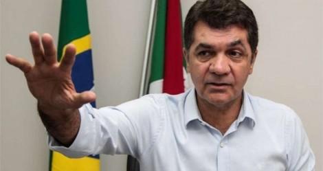 """Em Criciúma, prefeito decreta lockdown """"facultativo"""" na Prefeitura: """"Não quer vir trabalhar? Não vai receber salário"""" (veja o vídeo)"""