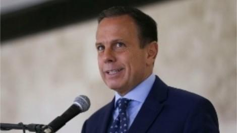 Quase 550 prefeitos de SP pedem mais vacinas e leitos de UTI a João Doria