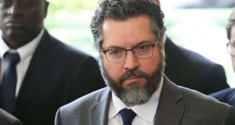 Ernesto Araújo e o submundo da extrema imprensa
