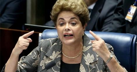 Em ato de pura insignificância, Dilma defende Katia Abreu e ataca Bolsonaro