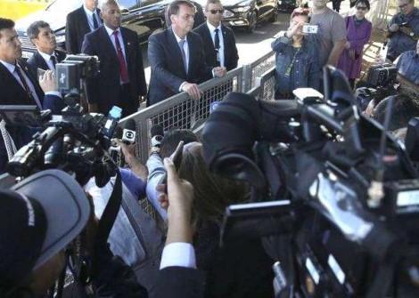 1º de abril, dia em que o jornalismo politiqueiro deveria fazer silêncio