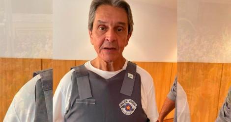 """URGENTE: """"Ameaças"""" fazem Roberto Jefferson sair escoltado pela PM de manifestação, diz vice-presidente do PTB"""