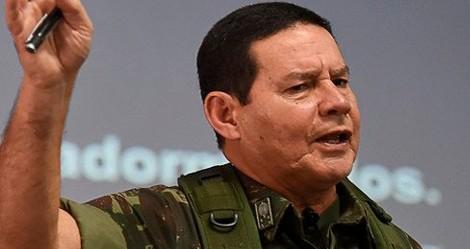"""Sobre a operação em Jacarezinho, General Mourão confronta a """"esquerdalha"""": """"Tudo bandido"""""""