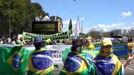 """Para """"enlouquecer a esquerdalha"""", Bolsonaro confirma presença na Marcha da Família Cristã Pela Liberdade (veja o vídeo)"""
