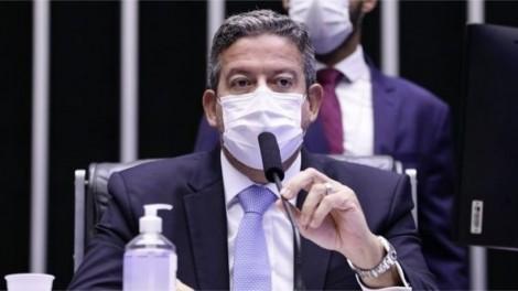 Câmara pega a oposição no contrapé e aprova mudança que impede o atraso no andamento dos projetos do governo