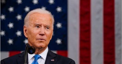 """Biden, o """"bonzinho"""" decepciona a esquerda e deporta 106 brasileiros"""