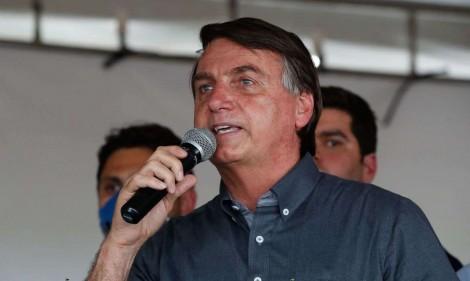 """Bolsonaro anuncia a chapa concorrente para 2022: """"Um ladrão candidato a presidente e um vagabundo como vice"""" (veja o vídeo)"""