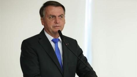 """""""Estou vendo um candidato ladrão falando que vai dar 600 reais. Por que não deu lá atrás?"""", elucida Bolsonaro (veja o vídeo)"""